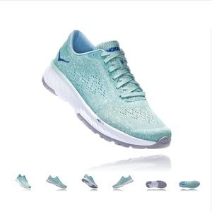 BNIB Hoka One One Cavu 2 running shoes